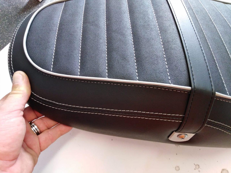 Motorradsitz beziehen K.M. Lederdesign Motorradsitz beziehen lederverarbeitung beziehen polstern