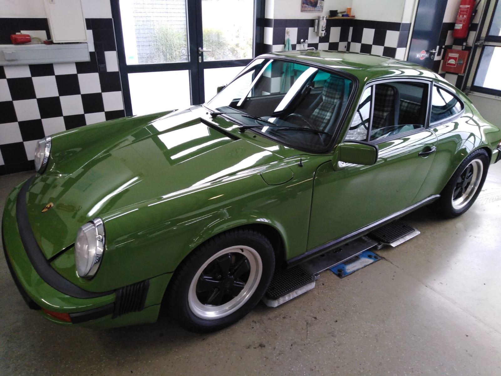 Sattlerei K.M. Lederdesign, Polsterer, Porsche grün lederverarbeitung beziehen polstern, Lederinterieur für Autos