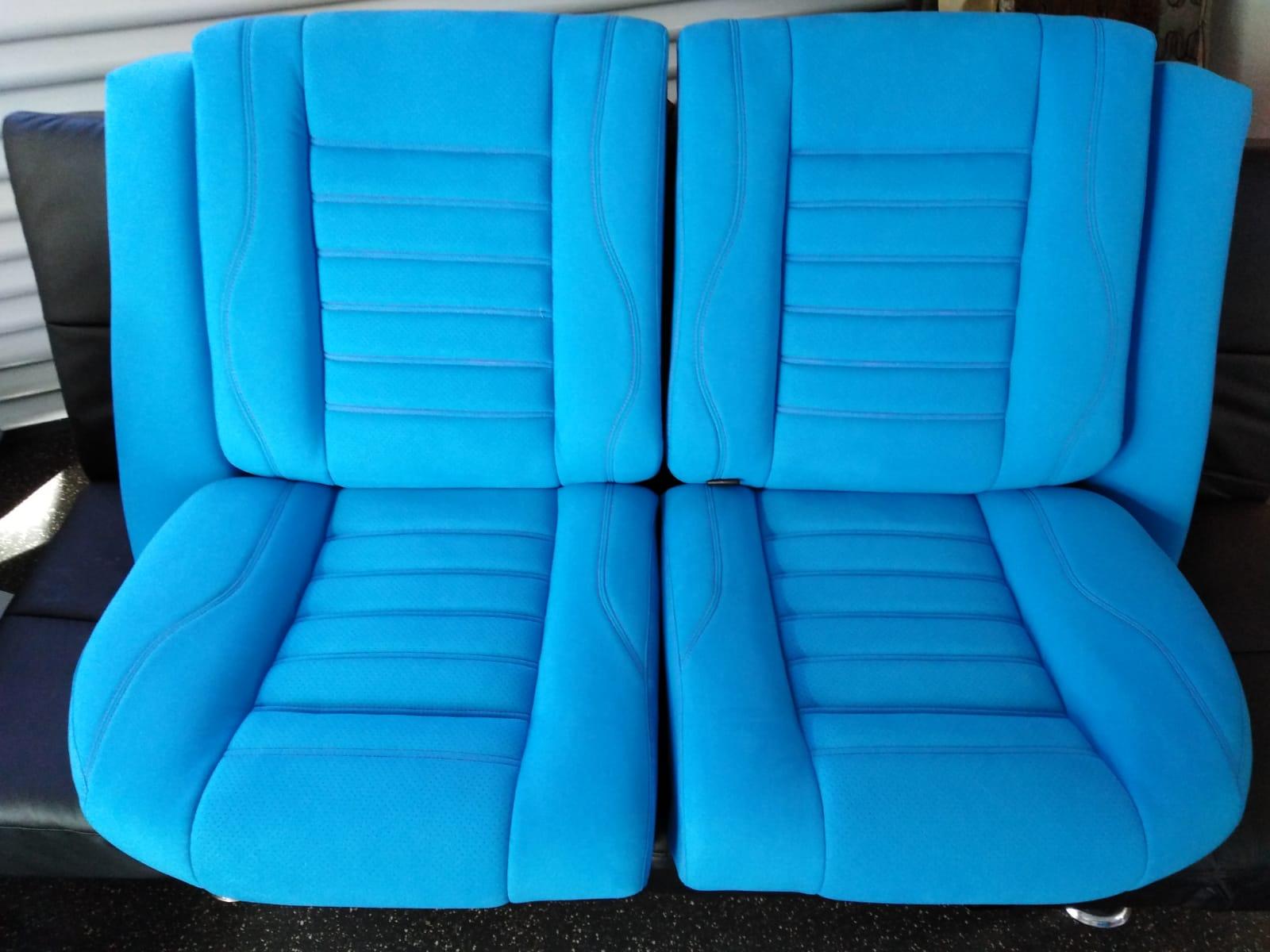 Autositze beziehen K.M. Lederdesign, Polsterer, hinten blau lederverarbeitung beziehen polstern