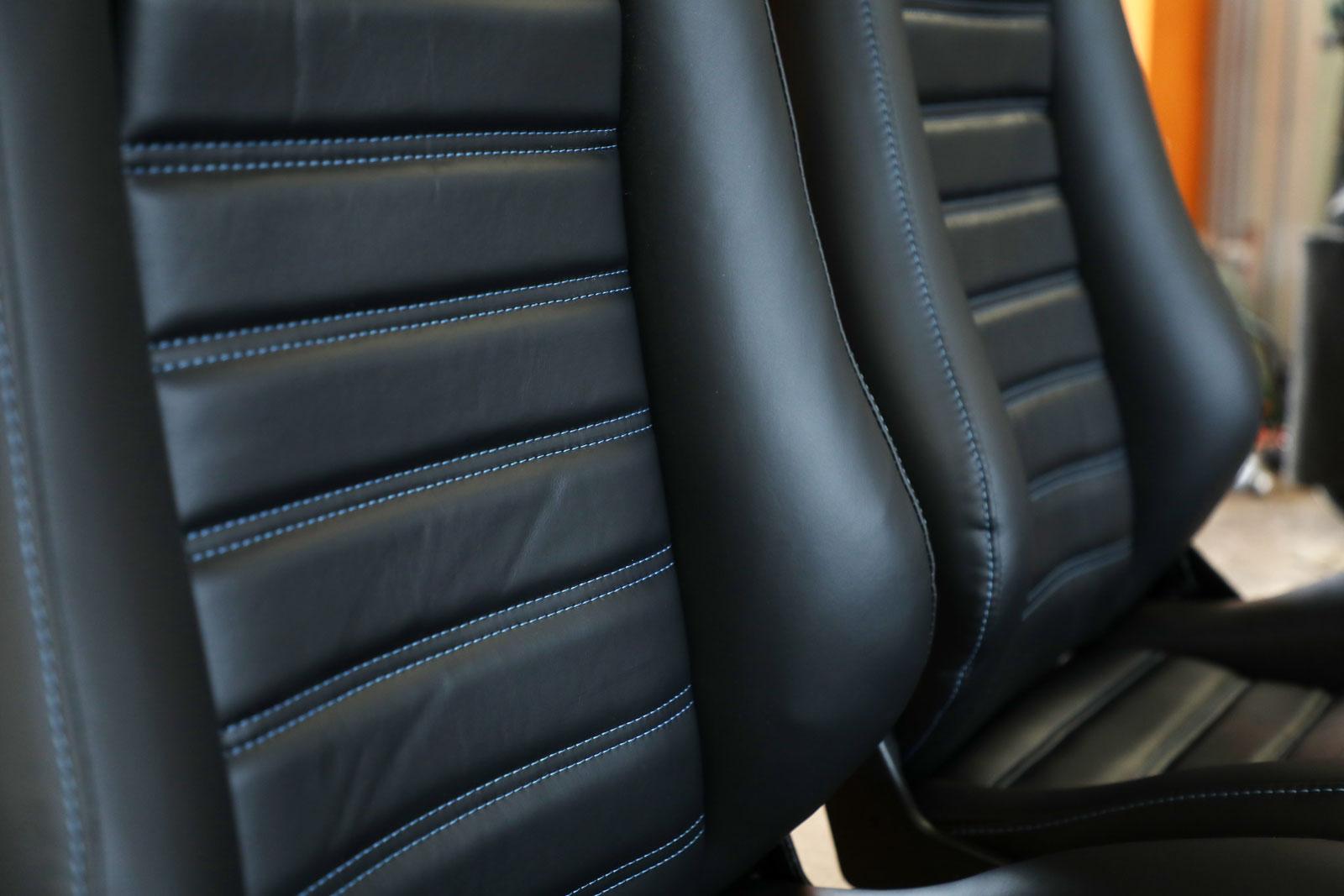 Sattlerei K.M. Lederdesign Recaro Sitze nah Sattlerei Autositze beziehen