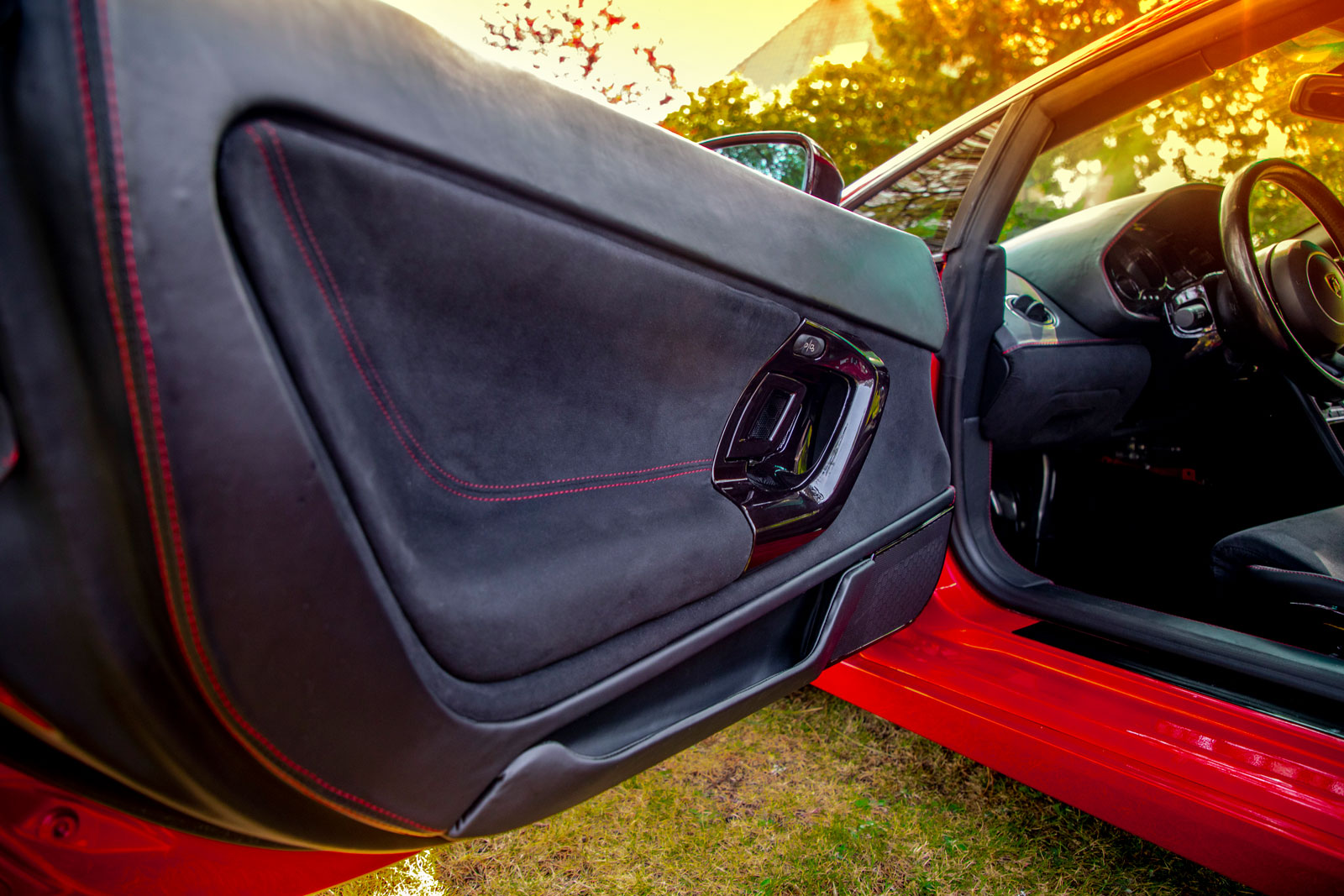 Sattlerei K.M. Lederdesign, Polsterer, Interieur Sattlerei Autositze beziehen Lamborghini Gallardo